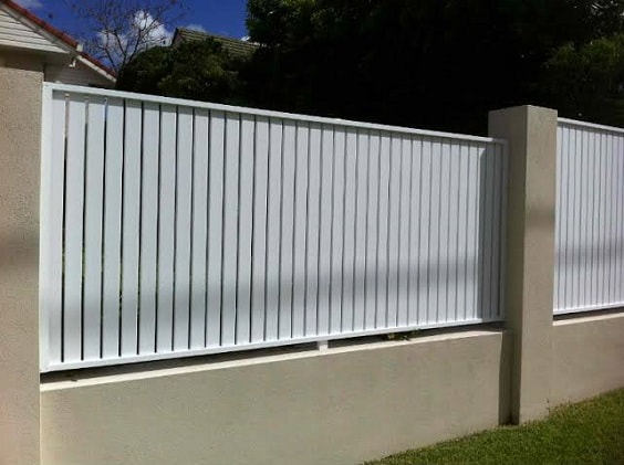 27 Best Inspiring White Aluminum Fence Ideas And Designs