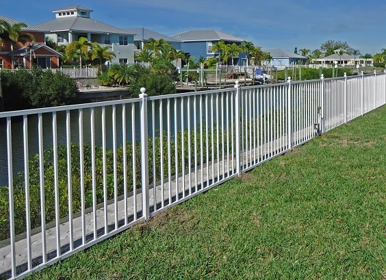 Best inspiring white aluminum fence ideas and designs