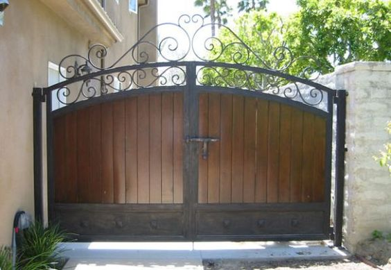 25 Fantastic Wrought Iron Driveway Gate Design Ideas