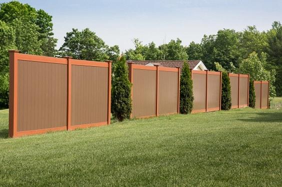 best vinyl fencing 15-min