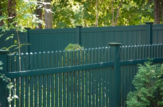 best vinyl fencing 17-min