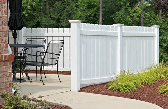 best vinyl fencing ideas-min