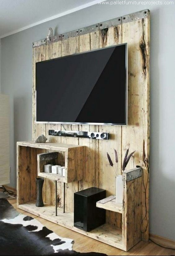 diy wood pallet tv console 1-min