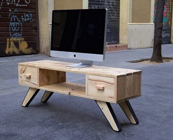 diy wood pallet tv console 17-min