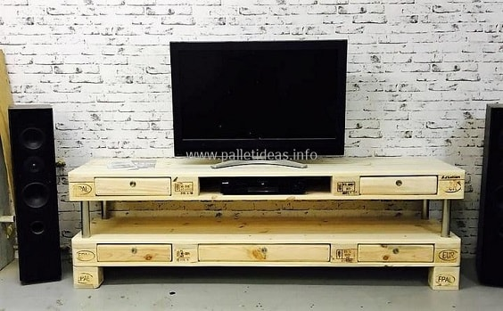 diy wood pallet tv console 19-min