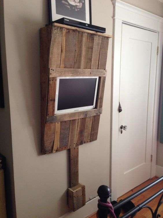 diy wood pallet tv console 23-min