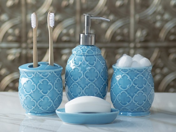 Aqua Bathroom Accessories 5-min