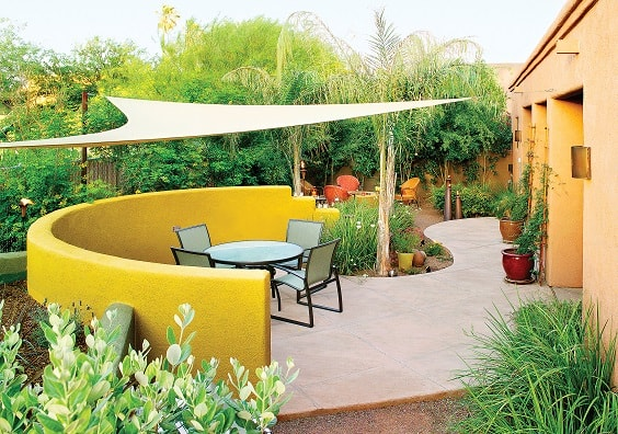 30+ Uniquely Affordable DIY Patio Landscaping Ideas To Try