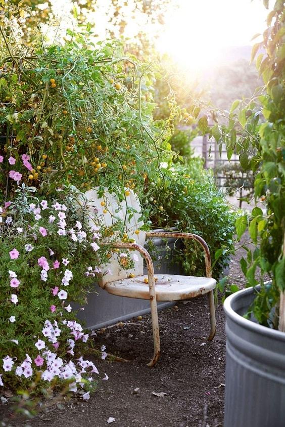 diy patio landscaping ideas 29-min