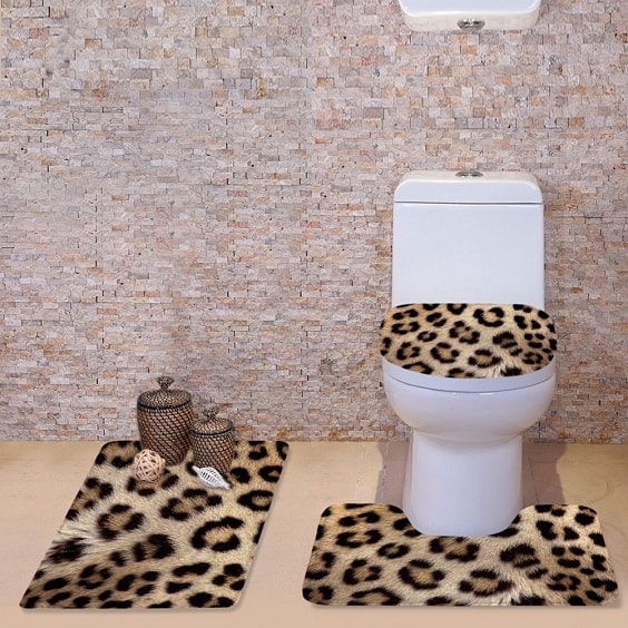 leopard bathroom 1-min