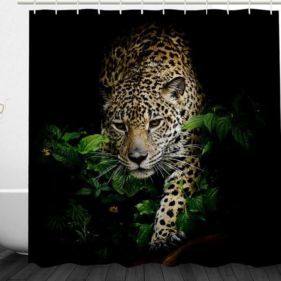 leopard bathroom 6-min