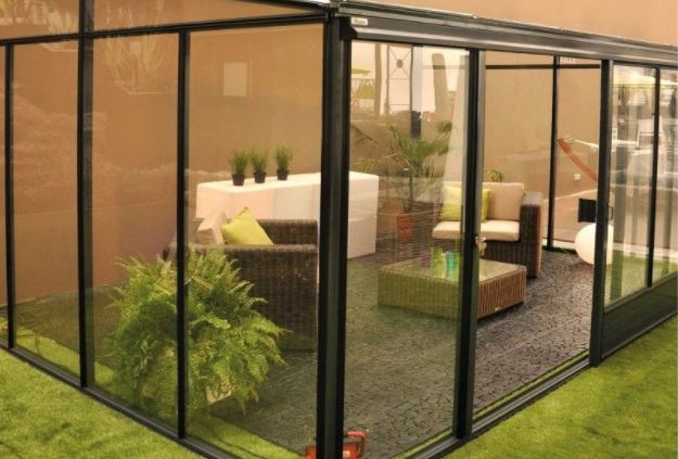 small patio with wall glass ideas 24-min