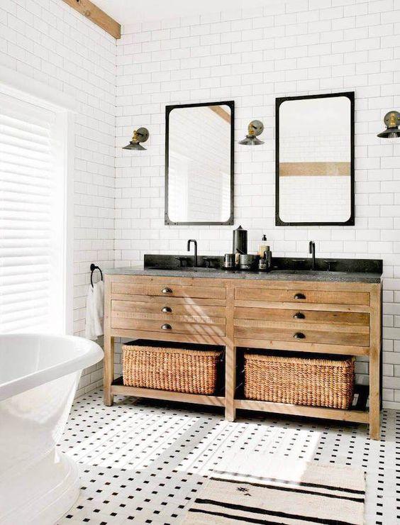 25+ Gorgeous Farmhouse-Style Weathered Wood Bathroom Vanity Ideas