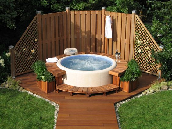 hot tub landscaping 10-min