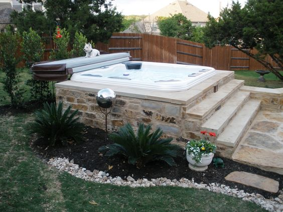 hot tub landscaping 2-min