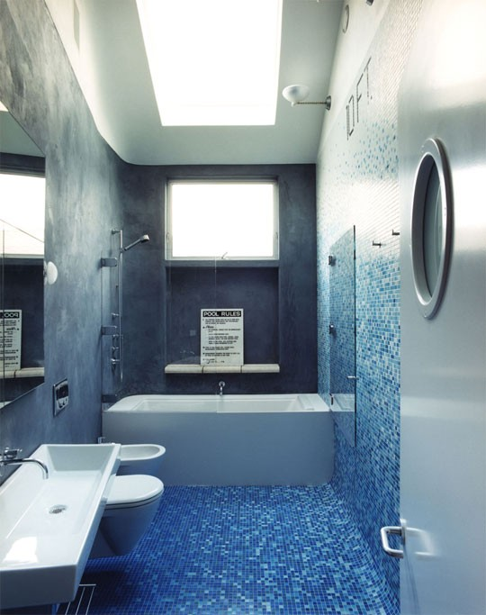 Blue Bathroom 1-min