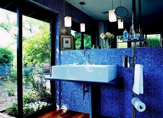 Blue Bathroom 16-min