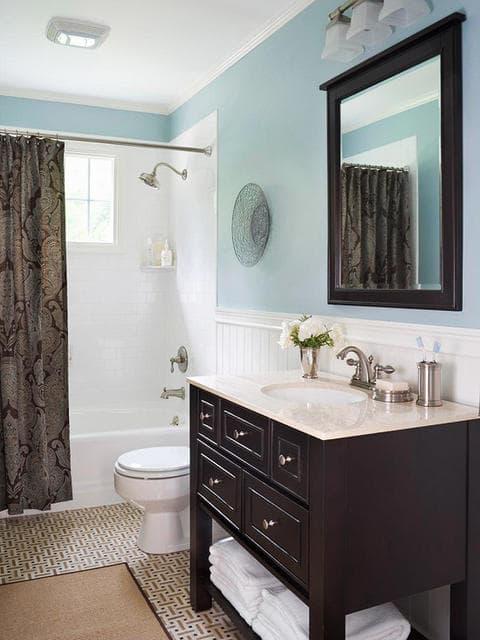 Blue Bathroom 18-min
