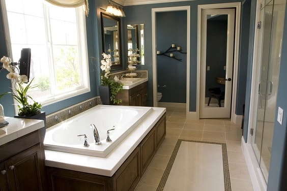 Blue Bathroom 22-min