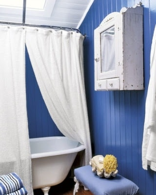 Blue Bathroom 28-min