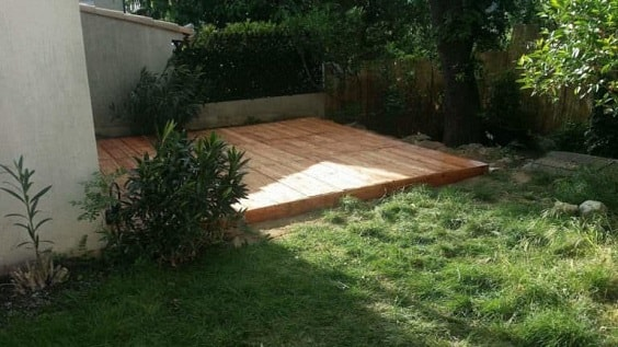 DIY Pallet Patio Terrace 2-min