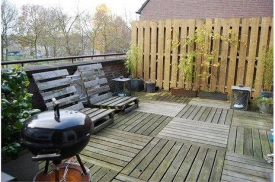DIY Pallet Patio Terrace 4-min