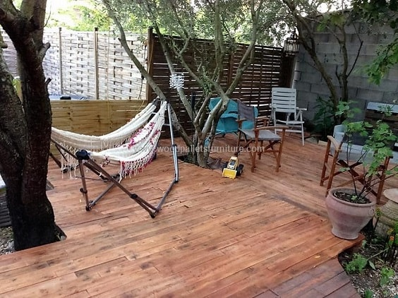 DIY Pallet Patio Terrace 6-min