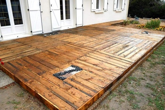 DIY Pallet Patio Terrace 8-min