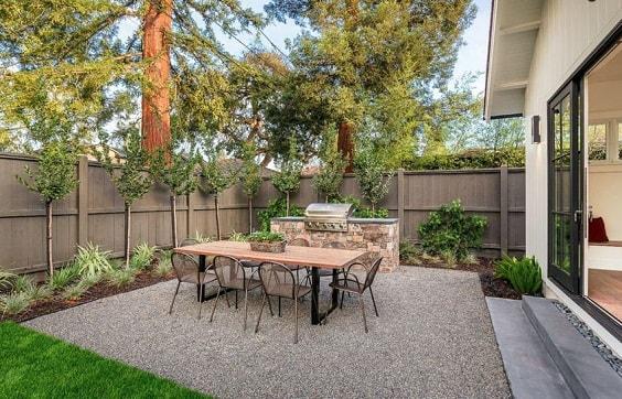 gravel patio 1-min