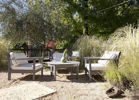 gravel patio 15-min
