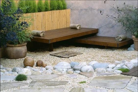 gravel patio 4-min
