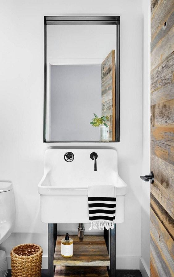 manly bathroom 10-min