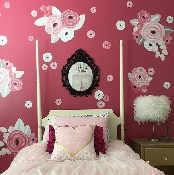 pink girl bedroom 1-min