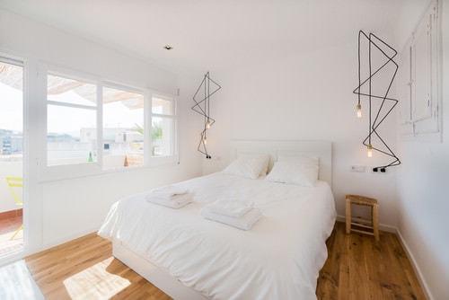 scandinavian bedroom decoration 4-min