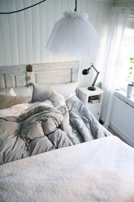scandinavian bedroom decoration 5-min