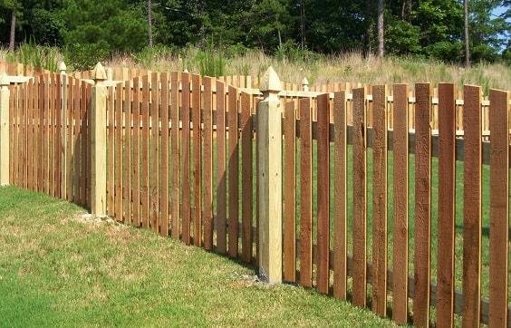 pallet garden fence 11-min