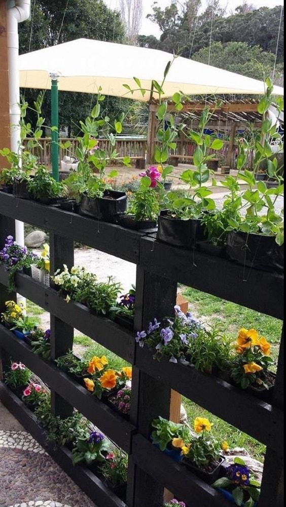 pallet garden fence 13-min