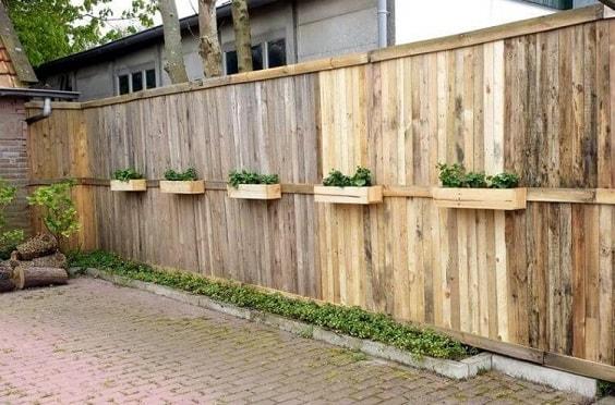 pallet garden fence 18-min