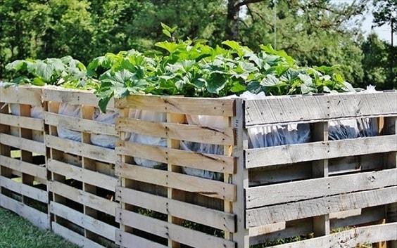 pallet garden fence 28-min
