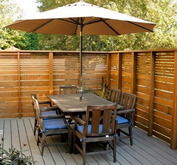pallet garden fence 4-min
