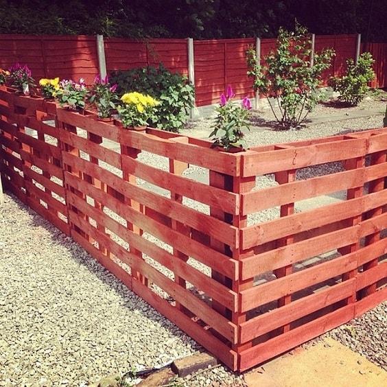 pallet garden fence 5-min