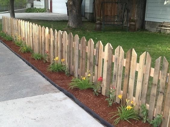 pallet garden fence 6-min