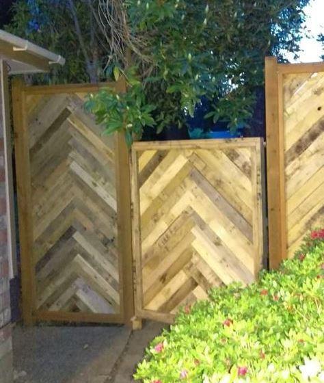pallet garden fence 8-min