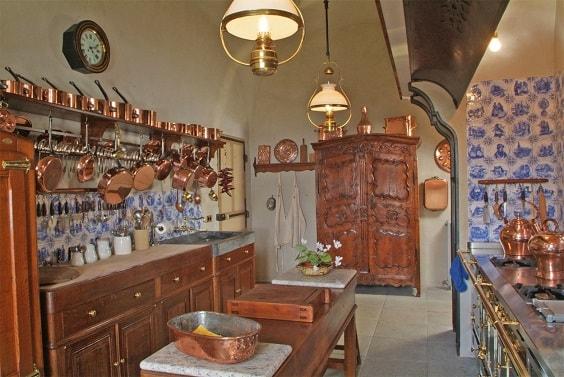 rustic kitchen 1-min