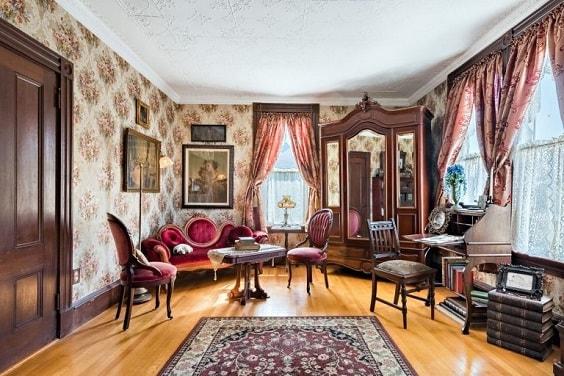 victorian living room 4-min