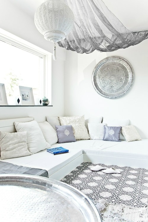 white living room 27-min