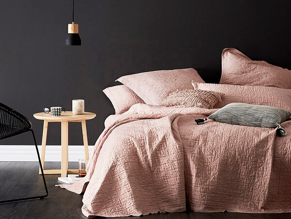 25+ Glamorously Pretty Rose Gold Bedroom Ideas on A Budget
