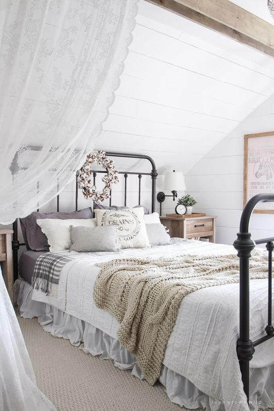 farmhouse bedroom decor 12