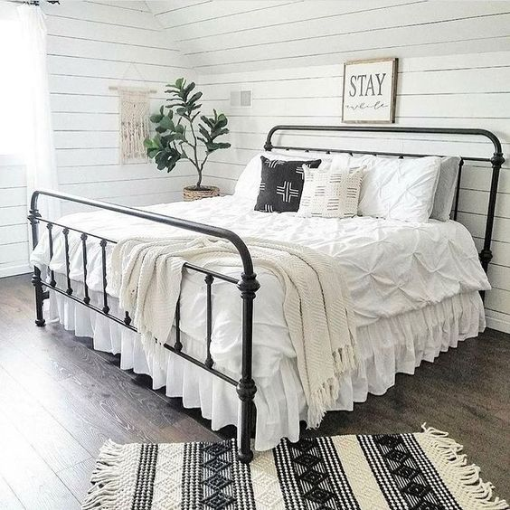farmhouse bedroom decor 23