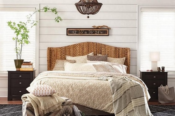 farmhouse bedroom decor 27-min